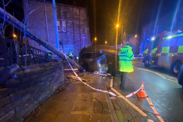 'Lucky escape' after car hits telegraph pole in Keighley