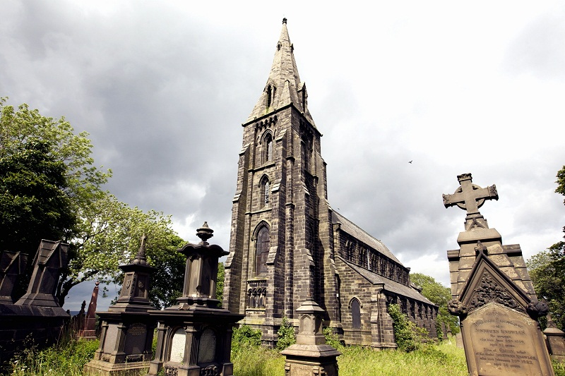 Graveyard to become garden extension