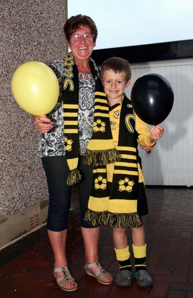 Sutton balloon race winner Linda Fenton with Addison Willis, who sold her the ticket