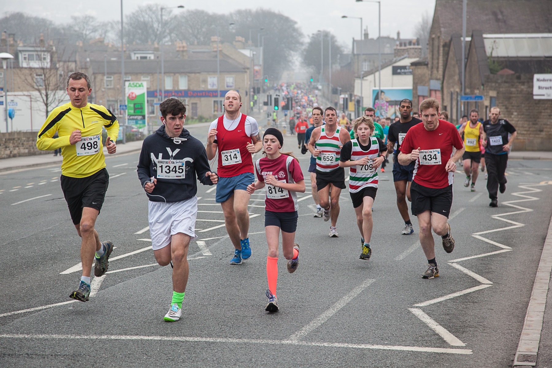 Runners make their way along Bradford Road