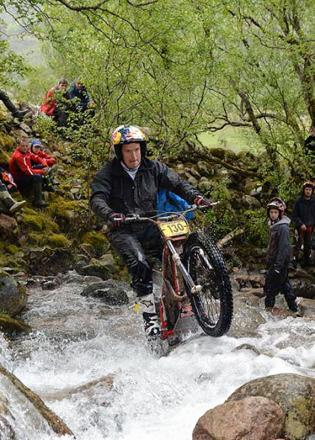 Dougie Lampkin on the way to his eighth Scottish Six-Day Trial victory
