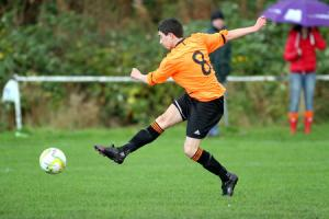 Nine-man Oxenhope battle back for point