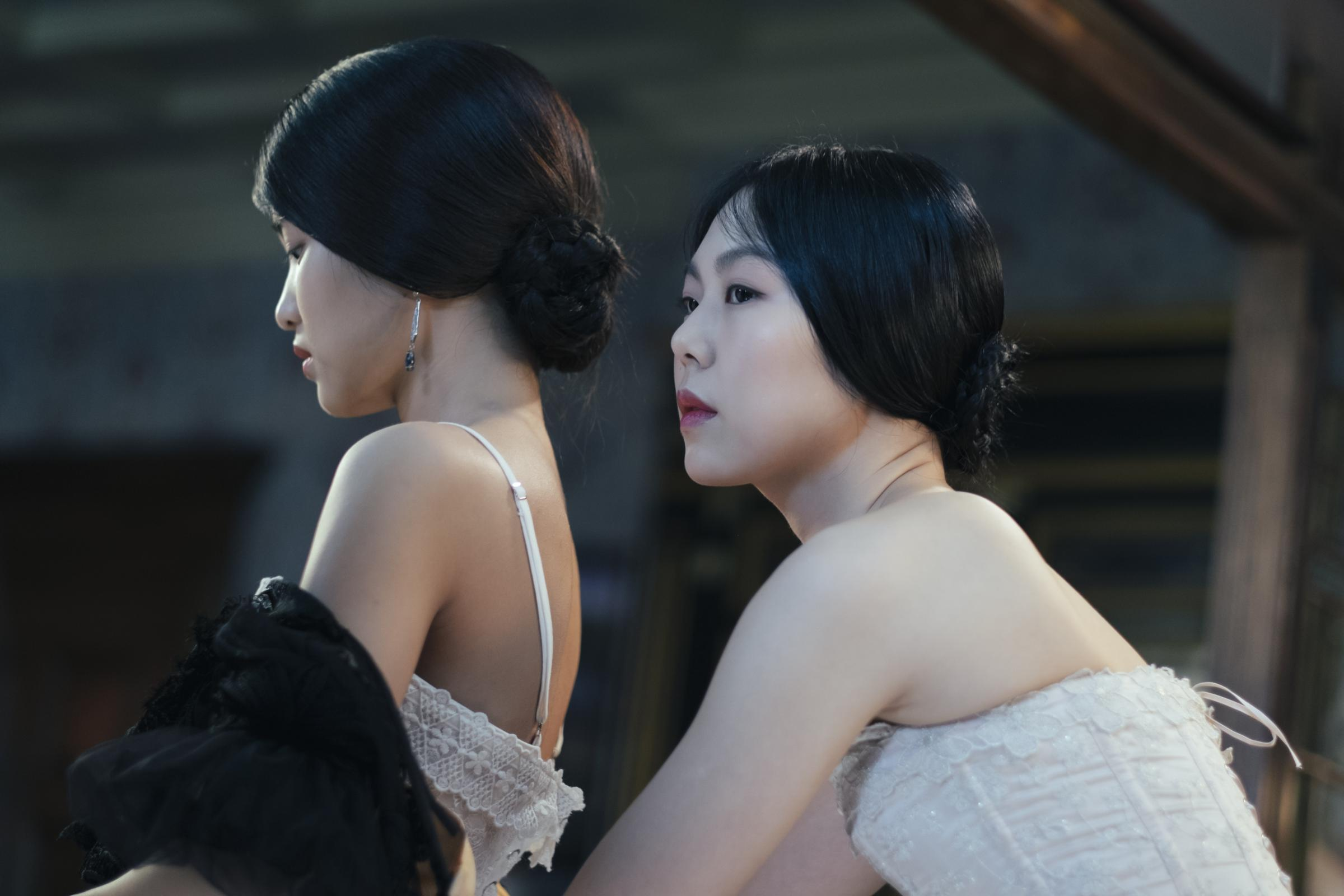 Kim Tae-ri as Sook-hee (left) and Kim Min-hee as Izumi in Park Chan-wook's The Handmaiden.