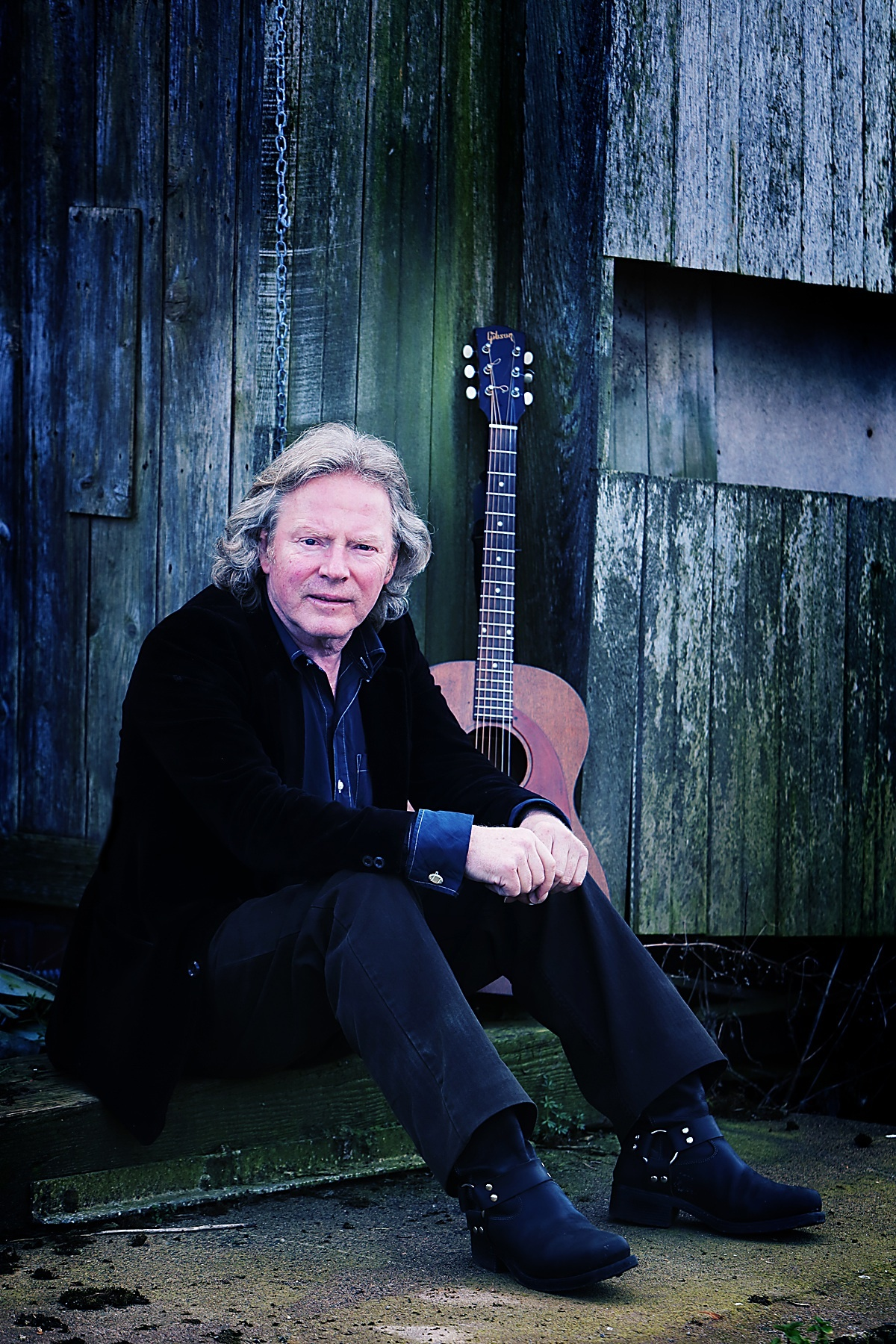 Reg Meuross will perform at the Cruck Barn in Addingham in a gig rescheduled from last autumn