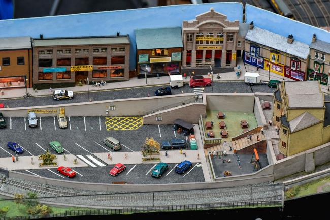 Christmas Model Railway.Modellers Are Chuffed With Christmas Keighley News